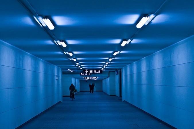北京の地下道。中国専門家は、共産党体制では持続的な経済の成長はないと見ている(storyvillegirl/Flickr)