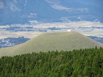 米塚が見えて来ると中岳まではもう少し