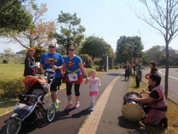 海外からの家族連れの参加者(2014年のphoto galleryより 撮影:西 一)