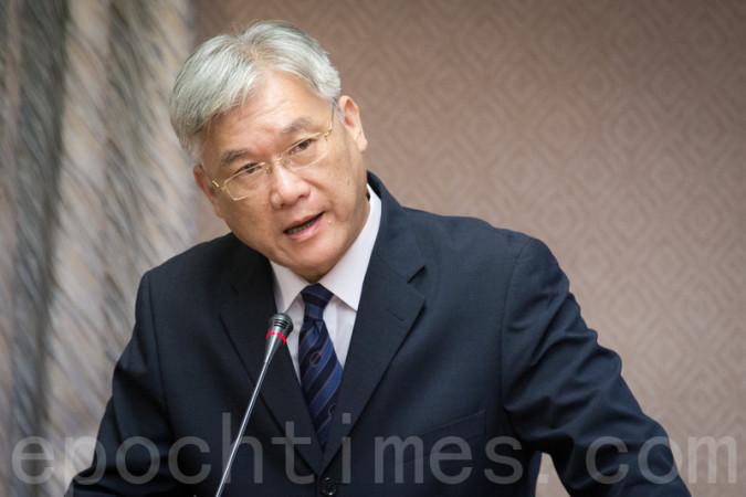 中国国務院の綱要草案に「大陸が一方的な説明で決められることではない」と一蹴する台湾行政院大陸委員会の夏立言氏 (陈柏州/大纪元)
