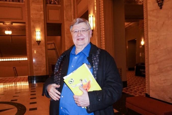 南イリノイ大学の名誉教授ピーター・バカルスキー氏は、神韻を「すべてパーフェクト」と絶賛(大紀元)