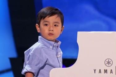 4歳の天才ピアニスト、エヴァン・リー君 (ネット写真)
