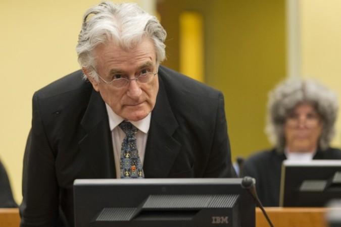 旧ユーゴスラビア国際戦犯法廷は、元セルビア人勢力の指導者ラドヴァン・カラジッチ被告に対して禁固40年を言い渡した(MICHAEL KOOREN/AFP/Getty Images)