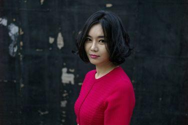 過酷な脱北体験をもつ李炫秀(イ・ヒョンソHyeonseo Lee)さんは、北京で開かれた講演会で、脱北者の遭う状況や中国政府の非人道的な対応を明かした(FRED DUFOUR/AFP/Getty Images)