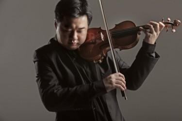 天才バイオリニスト、ニン・フェンさん(Lawrence Tsang撮影)