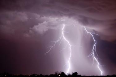 熱帯雷雨期のバングラデシュで、4日で65人が雷に打たれ死亡した。(Fotolia)
