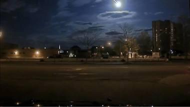 米国東部時間の17日未明、メイン州ポートランド市の警察車両に搭載したカメラが、隕石が落下する様子をとらえた(写真はポートランド市警察署のフェイスブックから。www.facebook.com/Portland-Maine-Police-Department-121900037821056/?fref=ts)