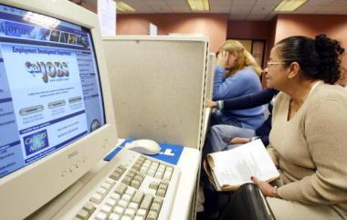 米カリフォルニア州グレンデールにある職業安定所での様子(Getty Images)