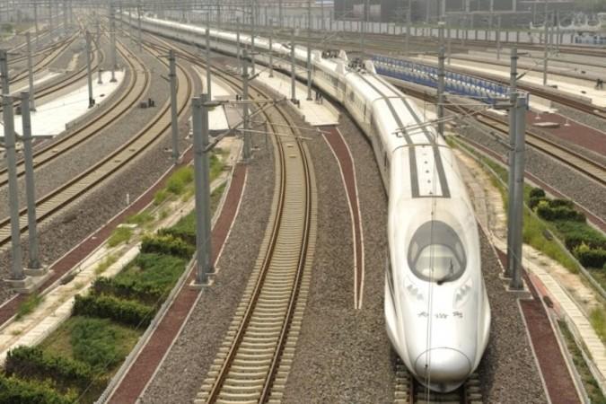 米鉄道会社エクスプレス・ウエストは中国企業との合弁解消を発表した。写真は北京南駅の高速鉄道(PETER PARKS / AFP)