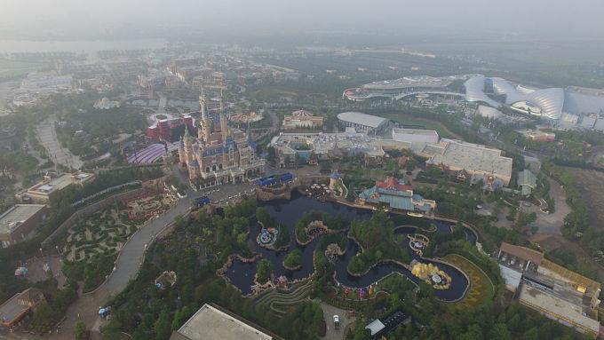 6月15日に開演した上海ディズニーランド(VCG/Getty Images)