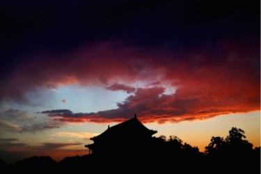 明朝滅亡の再来か、中国共産党の終焉を暗示する (Getty Images)
