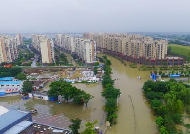 7月5日江蘇省南京市、連日の豪雨で水没した町。(VCG/VCG via Getty Images)