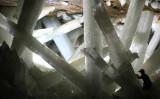 巨大なクリスタル群が広がる、メキシコのナイカ鉱山の地下290メートル(Alexander Van Driessche/wikimedia)