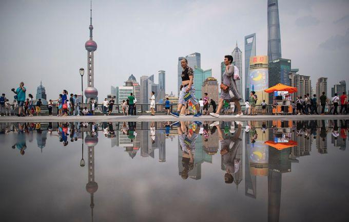 2016年7月16日、上海の金融中心区、浦東新区。(JOHANNES EISELE/AFP/Getty Images)