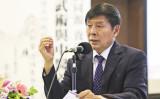 米国在住の著名な中医学博士であり中国武術の達人でもある李有甫氏が、6月初旬5年ぶりに香港で「武術と中医学養生講座」を開催し、独自の道徳養生理論について講演した(余鋼/大紀元)