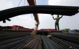 国家開発改革委員会の7月27日の発表によると、上半期に鉄鋼業と石炭業が達成した過剰生産能力削減規模は通年目標の3割を満たさなかった(AFP)