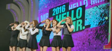 2016年4月、韓国の龍山米軍基地で開かれたコンサート「Hello Mr.K」に出演したアイドルグループCLC。参考写真(Kpop_World_Festival_139/flickr)