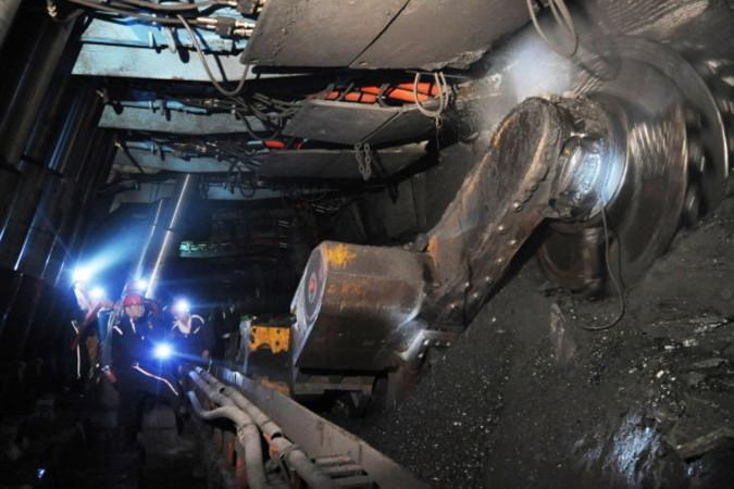 中国の安徽省の炭鉱。2014年3月撮影(STR/AFP/Getty Images)