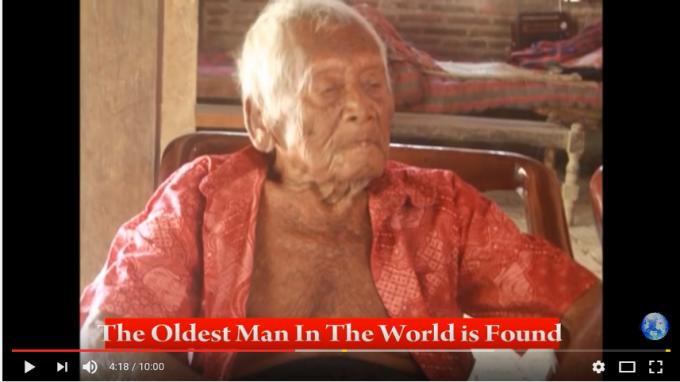 自称145歳のインドネシアのおじいさん(YouTubeより)