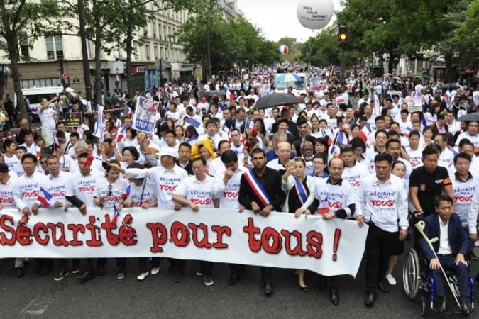 主催側によると、9月4日約5万人の中国系住民がレピュブリック広場で行われた、人種差別や中国系住民を狙った暴力事件への抗議集会とデモに参加した。(金湖/大紀元)