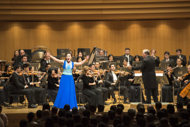 神韻交響楽団の公演は15日、世界でも知られる著名会場の東京オペラシティで行われた(野上浩史/大紀元)