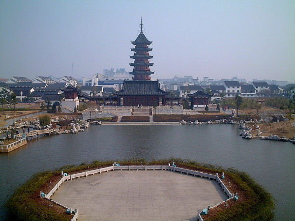 ネットユーザーの@蛮族勇士がこのほど掲載したブログ記事では、これまで外国直接投資を大規模に吸収してきた中国蘇州市では近年、重過ぎる税金負担で外国企業が相次いで撤退したと指摘する。写真は中国京杭大運河蘇州段。(ネット写真)