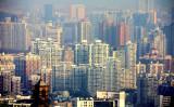 中国語ニュースサイト「博訊網」によると、住宅価格の暴落を懸念した中国当局は内部で「党員幹部に対して不動産の売却を禁止した」という。上海の待ち並み(Wenjie,Zhang/Flickr)