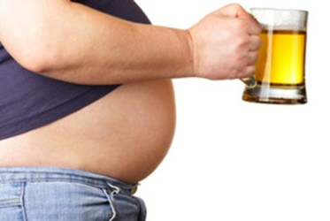 自分の青春をまだ保ちたいなら、ビール腹に「さよなら」をすべきだ(ネット写真)