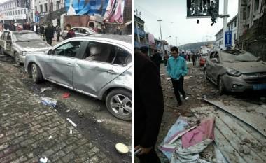 中国共産党六中全会初日の10月24日、陝西省楡林市の新民鎮で建物が爆発した(目撃者撮影)