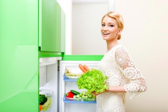 冷蔵庫の低温環境は細菌の増殖速度を抑え、鮮度の保持ができる。(fotolia)