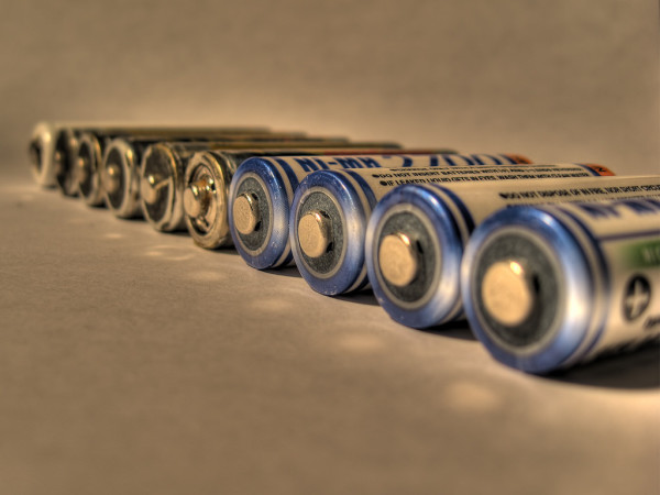 極めて大きな電気容量と長い寿命を持つ「スーパー電池」が開発された。参考写真(Rozer512)