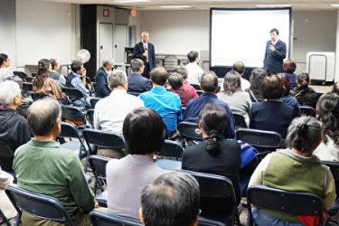 ドキュメンタリー映画『活摘 十年調査(仮邦題:臓器狩り―10年の追跡調査)』が、11月19日にテキサス州ヒューストンで世界初公開された。上映会で李軍監督らが解説(大紀元)