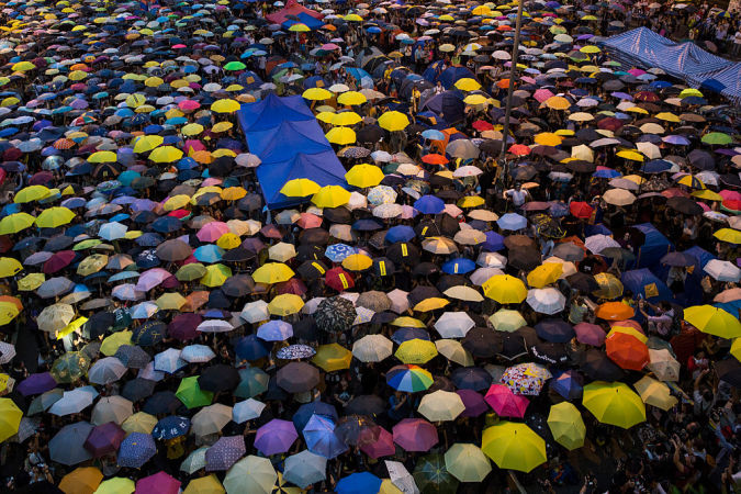 2015年、学生たちの普通選挙を求める運動「雨傘革命」(Paula Bronstein/Getty Images)