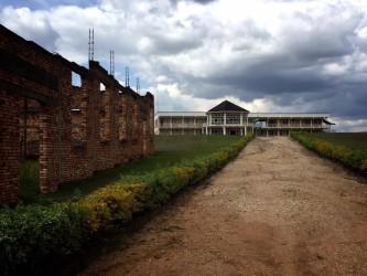 ムランビ虐殺記念館。ここで4万5000人に及ぶ人々が殺された(田中美久 撮影)