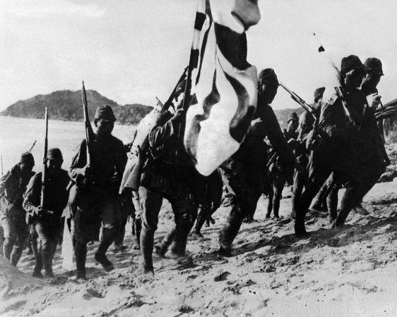 1938年ごろのものとされる、日中戦争時の日本兵(OFF/AFP/Getty Images)