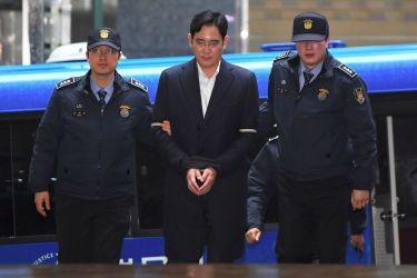 賄賂供与などの容疑で拘束収監中のサムスン電子イ・ジェヨン副会長は22日、聴取のため特別検察官チームに再召喚された。(JUNG YEON-JE/AFP/Getty Images)