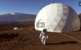 ハワイ島のマヌア・ロアに建設されたドーム。火星を思わせる風景の中で隔離生活を体験できる(ハワイ大学HPスクリーンショット)