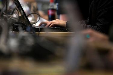 台湾の安全保障当局は、中国本土からの諜報員約5000人が、台湾で機密情報を収集していると明かした。 参考写真(Tomohiro Ohsumi/Getty Images)