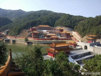 豪華な作りの華東交通大学理工学院の靖安キャンパス(微博ユーザ@SHI張進呢の画像を編集)
