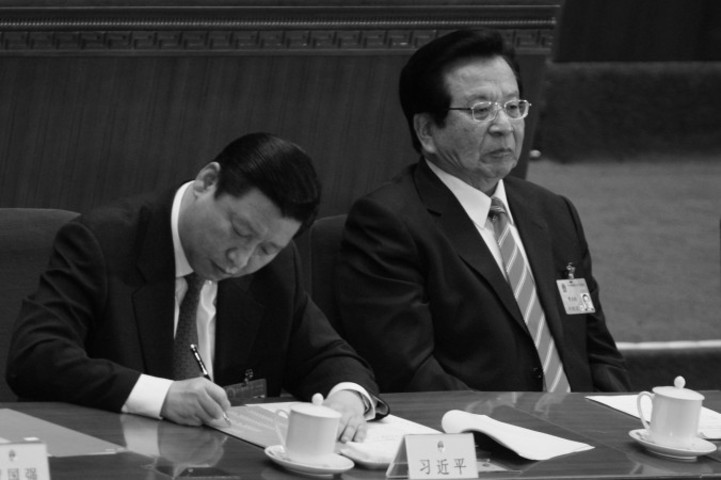 習近平氏(左)と曽慶紅氏(右)、2008年3月の全人代開催期間中に撮影(Feng Li/Getty Image)