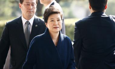 検察は来月19 日まで朴容疑者を拘束状態のまま調査する見通しだが、同17日開始する次期大統領選の選挙運動期間前に裁判に渡す可能性が高いというのが法曹界の観測 (Photo by Jeon Heon-Kyun-Pool/Getty Images)