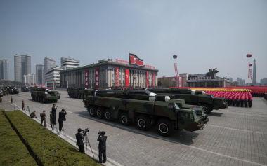北朝鮮は15日、故金日成主席の生誕105年(太陽節)に合わせて平壌で行った軍事パレード(GettyImages)