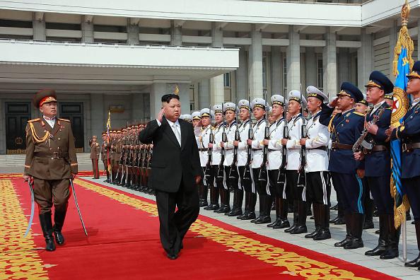 完全な非核化、終戦、平和を唱えた板門店宣言の後、北朝鮮はなぜ再び挑発してくるのか?(STR/AFP/Getty Images)