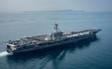 14日、インドネシア沖を巡行する米原子力空母「カール・ビンソン」(U.S. Navy via Getty Images)