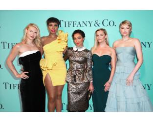 ティファニーのジュエリーを纏った女優たち ― (左から)クレア・デインズ、 ジェニファー・ハドソン、 ルース・ネッガ、 リース・ウィザースプーン、 ヘイリー・ベネット― は、 エレガンスの頂点を競いました。