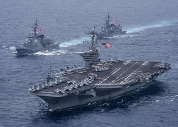 米海軍は、共同訓練中の海上自衛隊護衛艦と米海軍空母カール・ビンソンがフィリピン海を航行している写真を公開(U.S. Pacific Command)