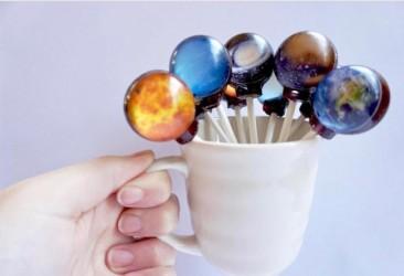 フォトジェニックで超インスタ映え!美しいデザインの「宇宙キャンディ」待望の再販(株式会社Village Vanguard Webbed)