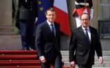 エマニュエル・マクロン氏は14日、エリゼ宮(大統領府)で就任式を行い、フランス大統領に就任した。(ERIC FEFERBERG/AFP/Getty Images)