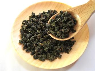 高級な烏龍茶は淹れ方次第。苦味のない上品な味を楽しめる(pixta)