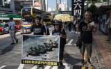「天安門事件」28周年控え、中国当局ネット検閲を全面強化している。5月28日に香港で行われた、六四天安門事件で民衆が武力弾圧されたと訴えるデモ(DALE DE LA REY/AFP/Getty Images)